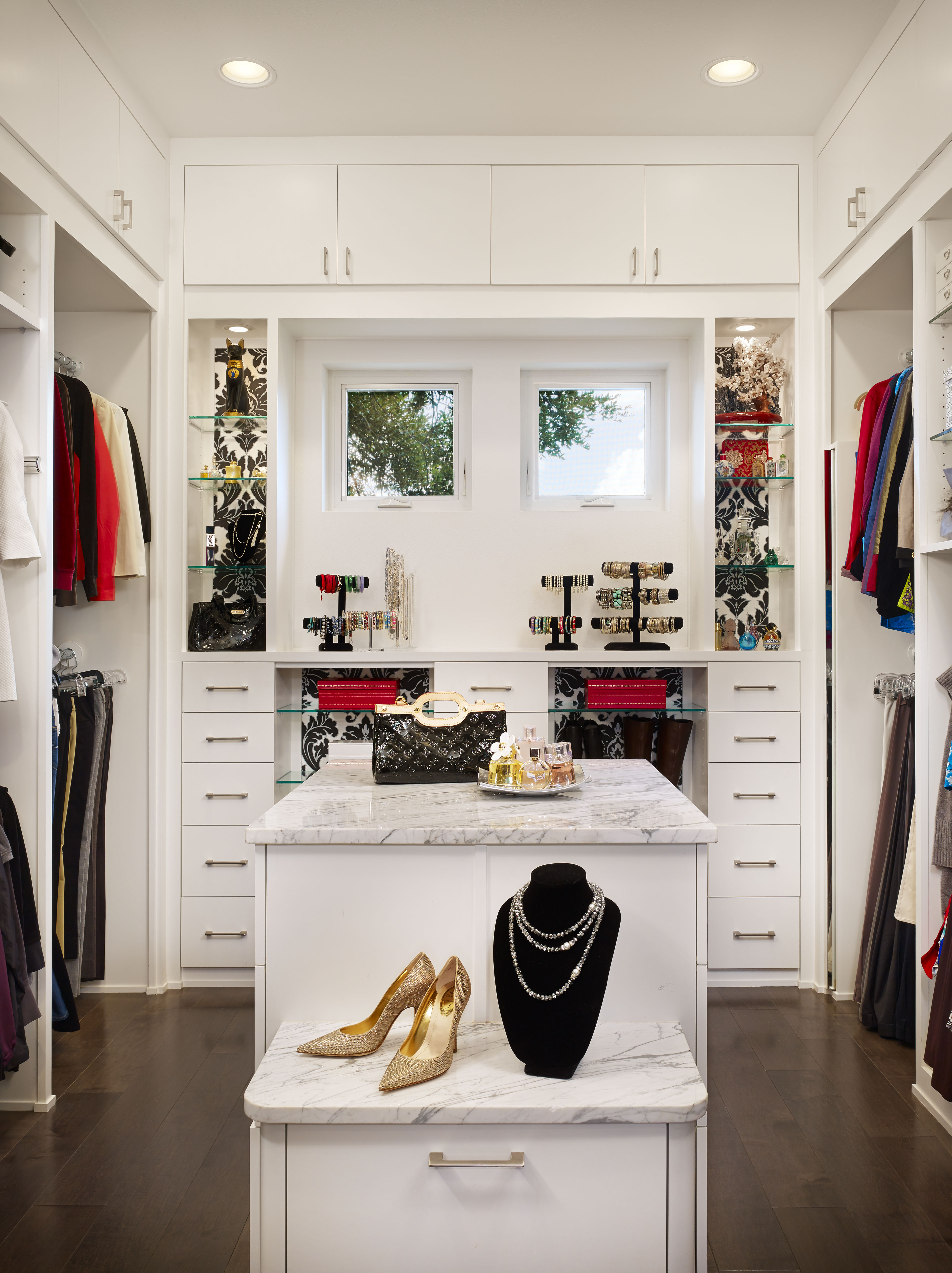 Mirrors archives spaces designed interior design studio for Walk in wardrobe closet